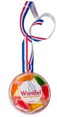 snoep medaille met gumschoentjes | Feestartikelen feestreus.nl ...: www.feestreus.nl/artikel/medialle-snoep-medaille-met-gumschoentjes